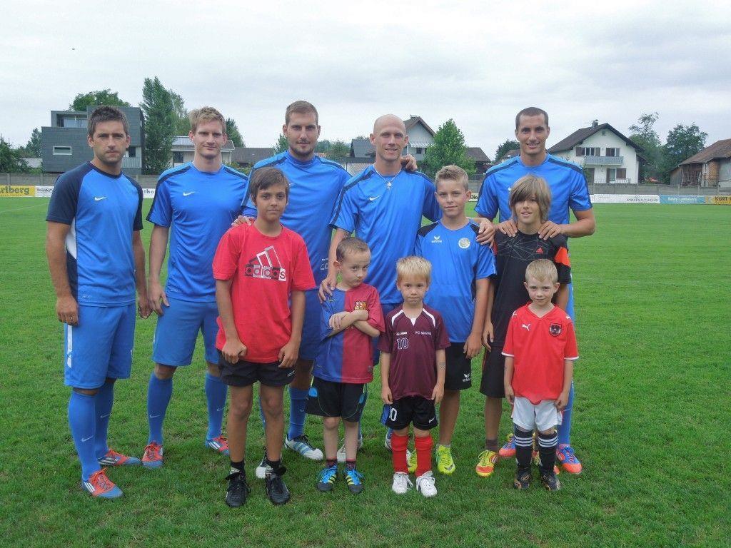 Die Profis vom FC Lustenau trainierten gemeinsam mit den Kindertraum-Gewinnern.