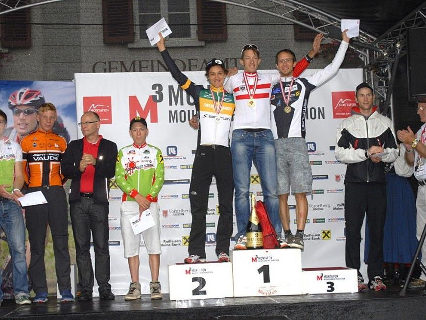 Siegerehrung beim M³ Montafon Mountainbike Marathon am Kirchplatz in Schruns. Staatsmeister: Christoph Soukup.