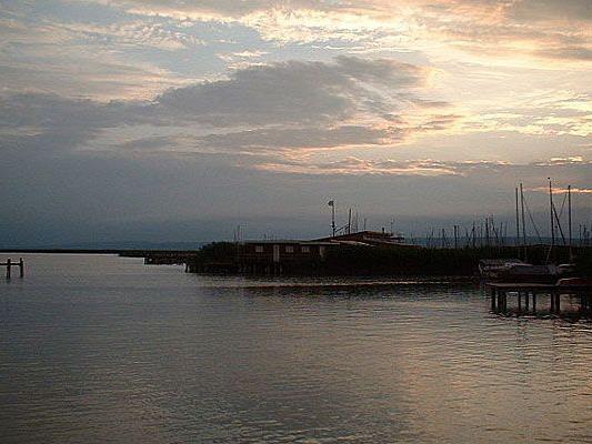 Ein Wiener fand im Neusiedler See eine Panzergranate