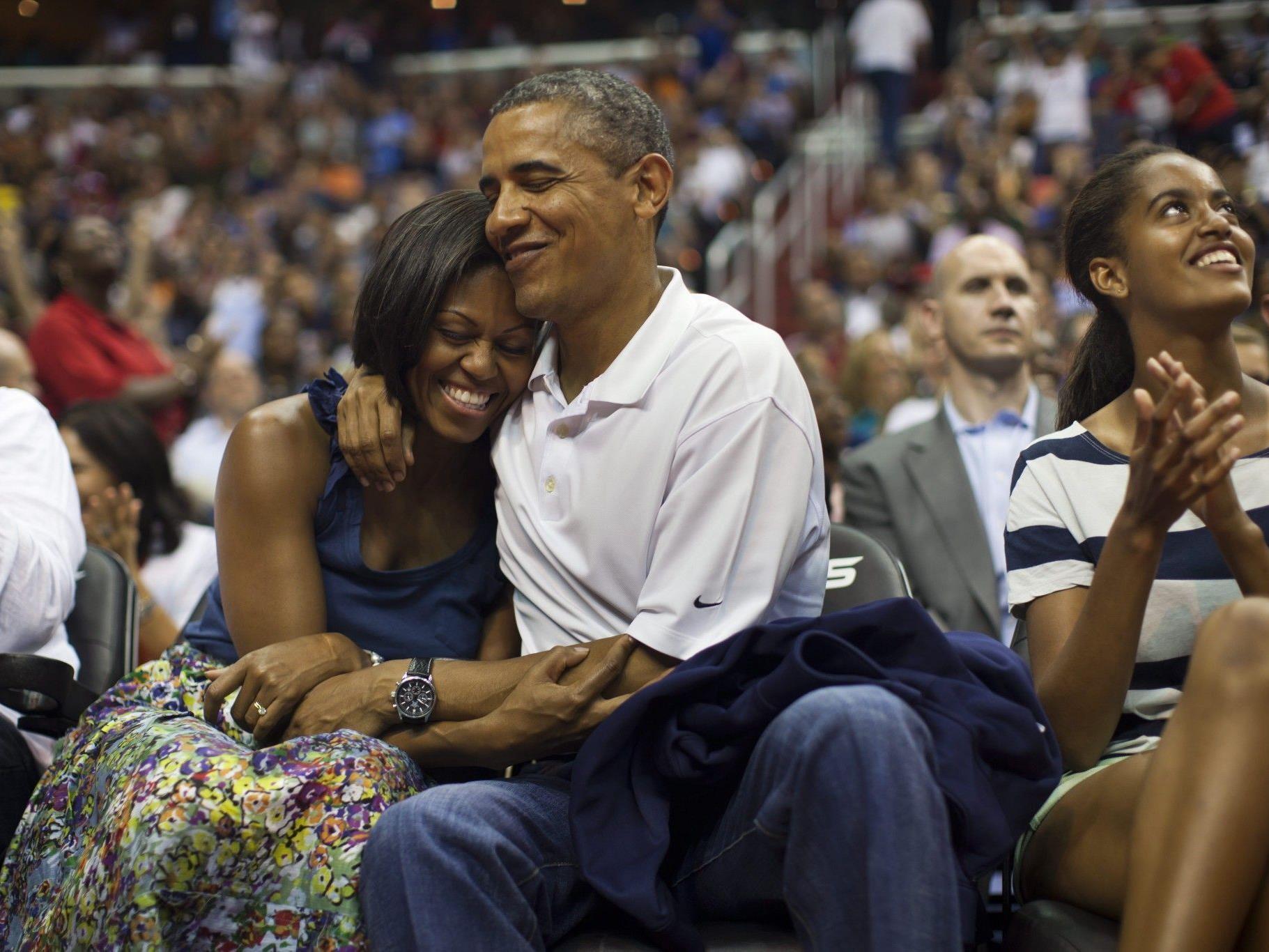 US-Präsident Obama und seine Frau Michelle beim Basketballspiel in Washington.