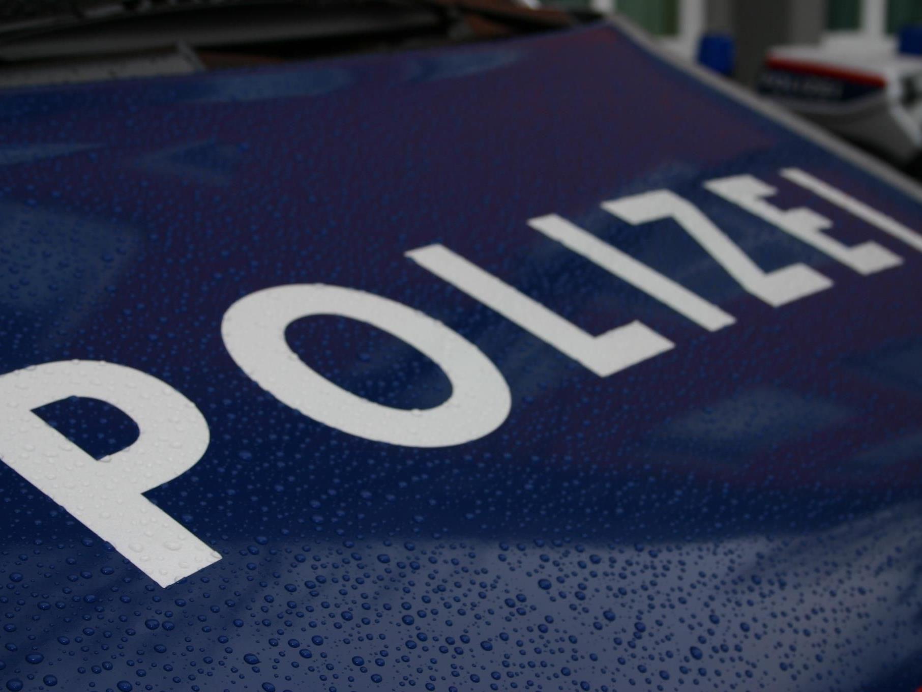 Alkotest ergab 2,08 Promille - Polizei erstattete nach Unfall Anzeige.
