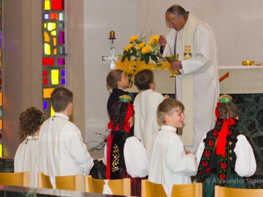 Die Gemeinde Bartholomäberg bedankt sich bei Pfarrer Alfons Lercher für 21 Jahre Betreuung der Pfarre Vandans/Gantschier.