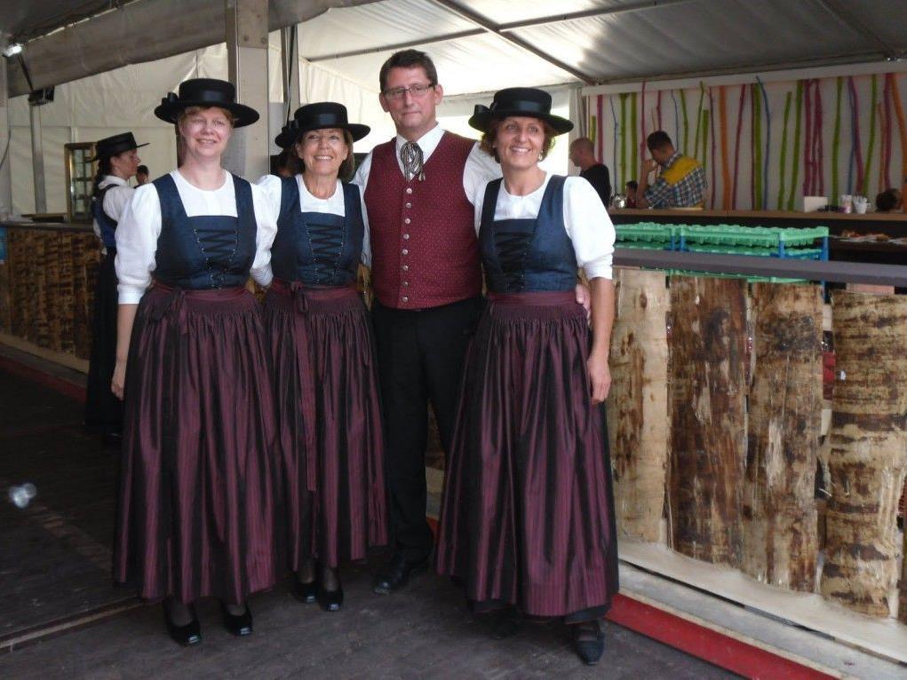 OSCHM Martin mit unseren Damen