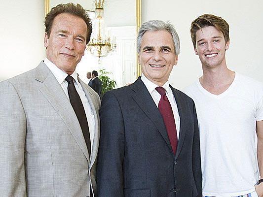 Arnold Schwarzenegger und sein Sohn waren bei Bundeskanzler Faymann auf Wien-Besuch