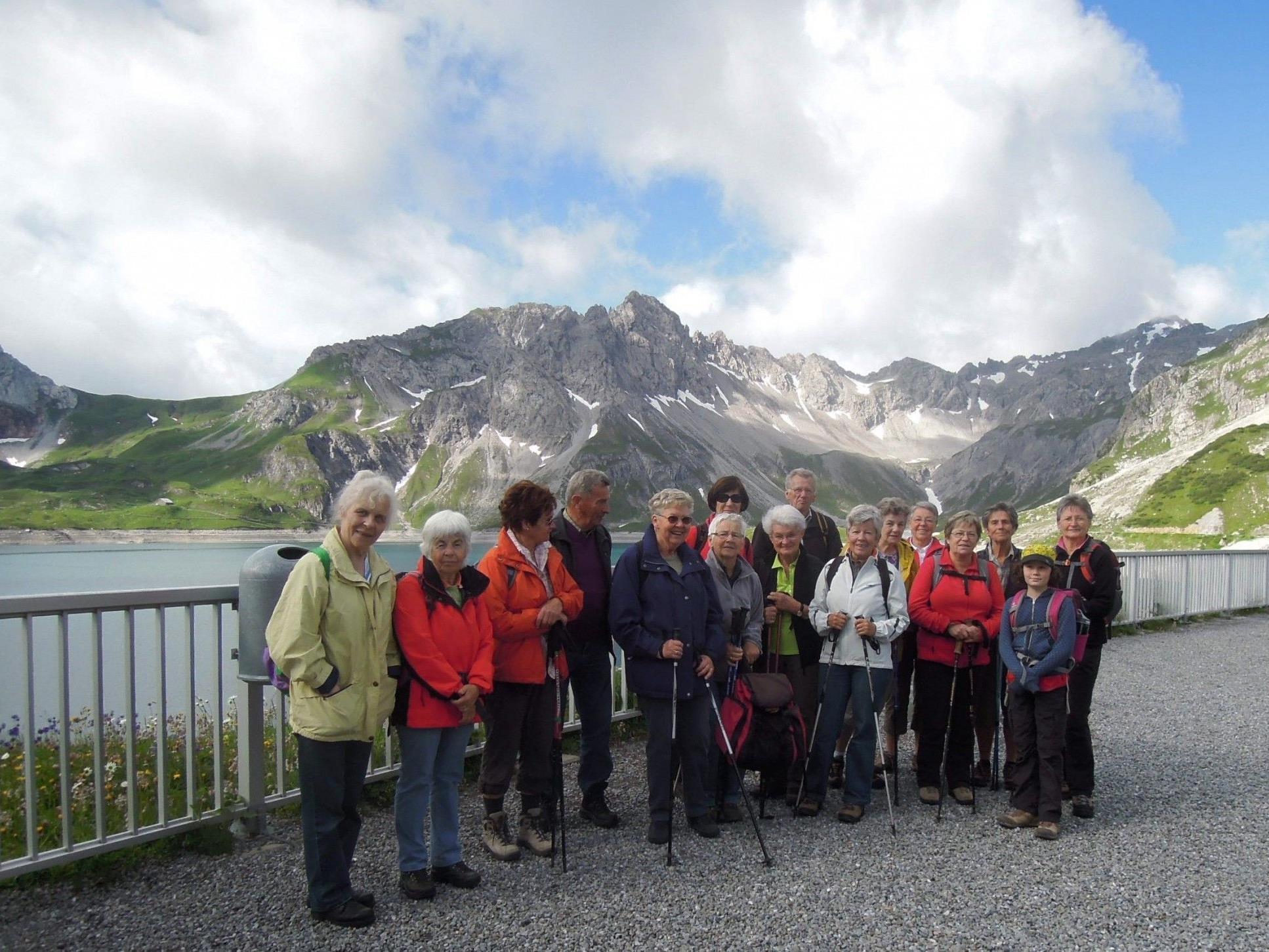 Der Seniorenbund Nüziders auf herrlich schöner Wanderung am Lünersee.