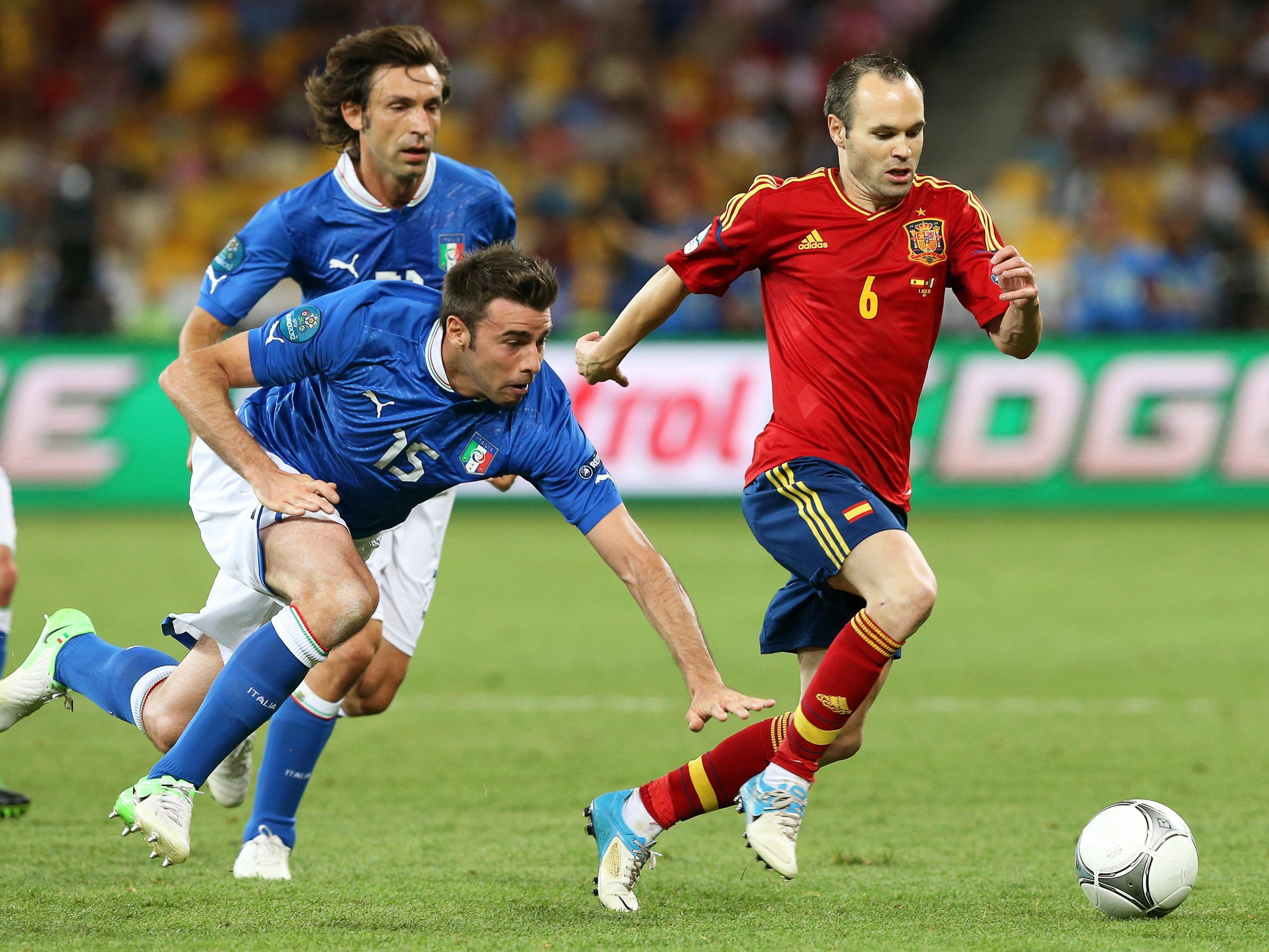 Überlegenheit Spaniens wird von allen Seiten anerkannt.