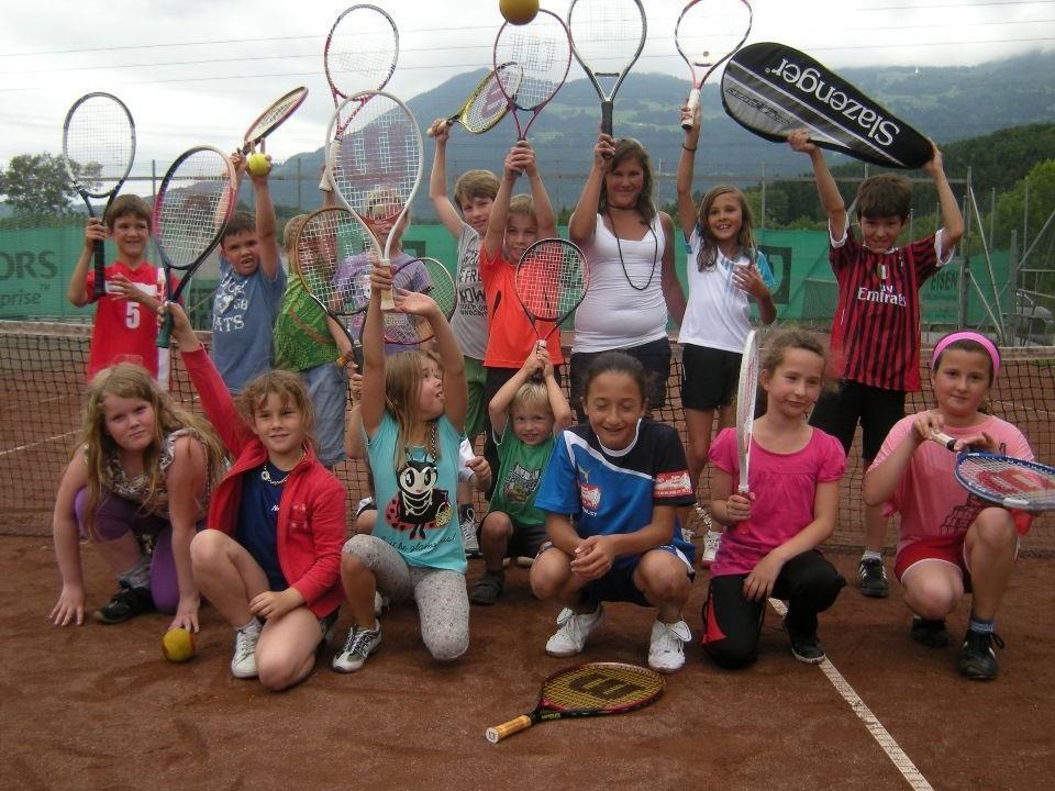 """Die """"Tennis-Neulinge"""" waren mit viel Spaß dabei."""