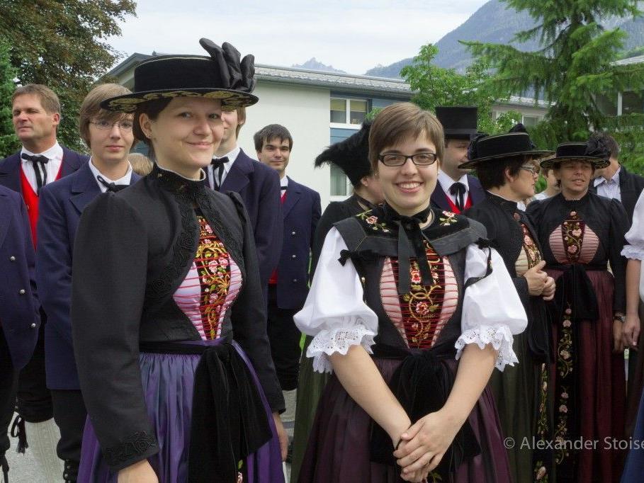 Nicht nur zu den Heimatabenden, auch zu Maria Himmelfahrt am 15.August werden die Trachten getragen.