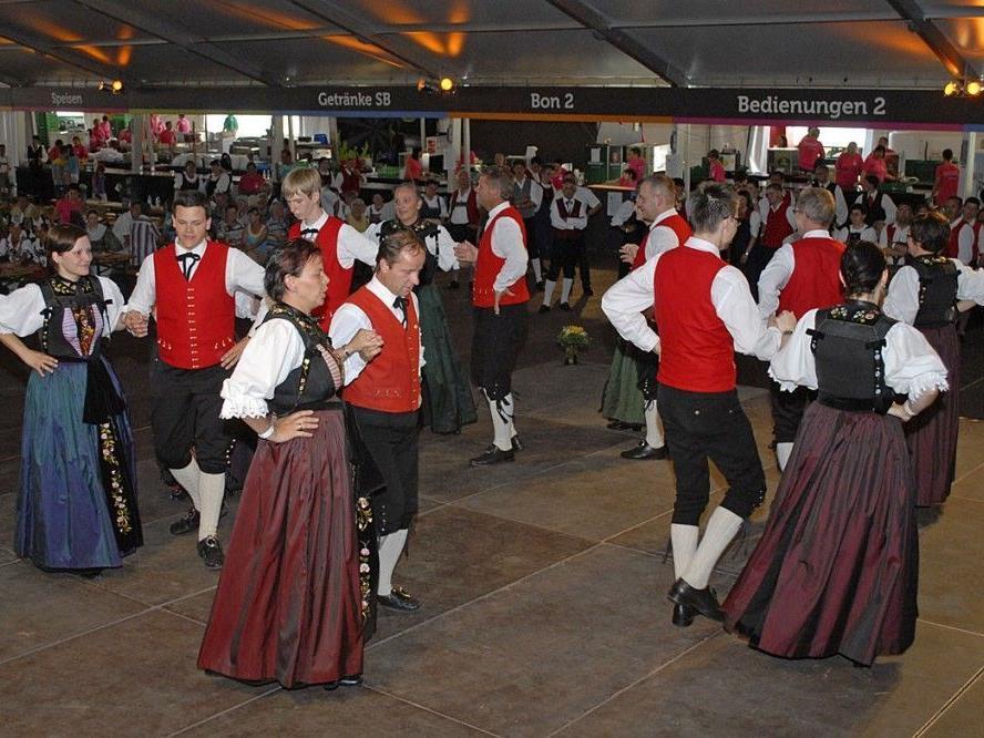 Die Trachtengruppe Vandans begeisterte beim Landestrachtenfest am 30. Juni 2012 in Krumbach/Vbg.