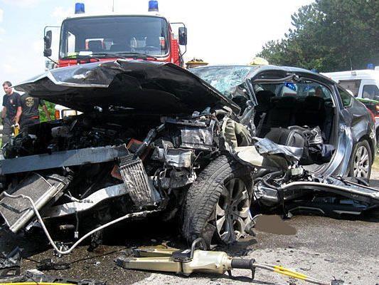 An der Unfallstelle auf der B26
