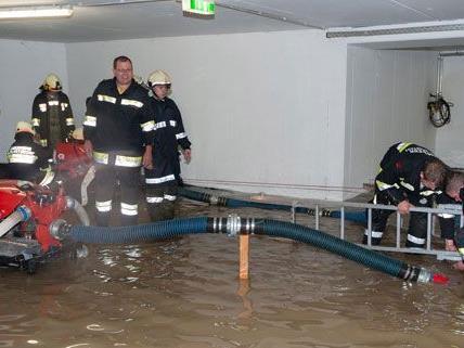 Infolge schwerer Unwetter mussten in den letzten Wochen öfter Keller ausgepumpt werden - zuletzt in Horn