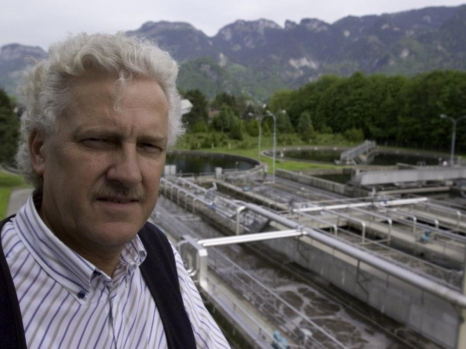Geschäftsführer Werner Schättle freut sich über die Klassierung beim Benchmarking im Spitzenfeld Österreichs.