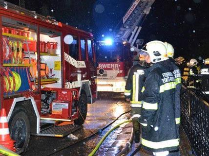 In Niederösterreich hat die Feuerwehr eine turbulente Nacht hinter sich