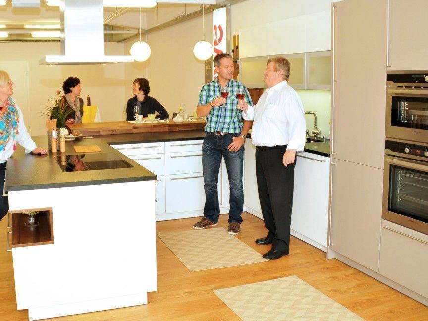 Eröffnung im kleinen Rahmen im neuen Küchenstudio Barta, schoeller2welten