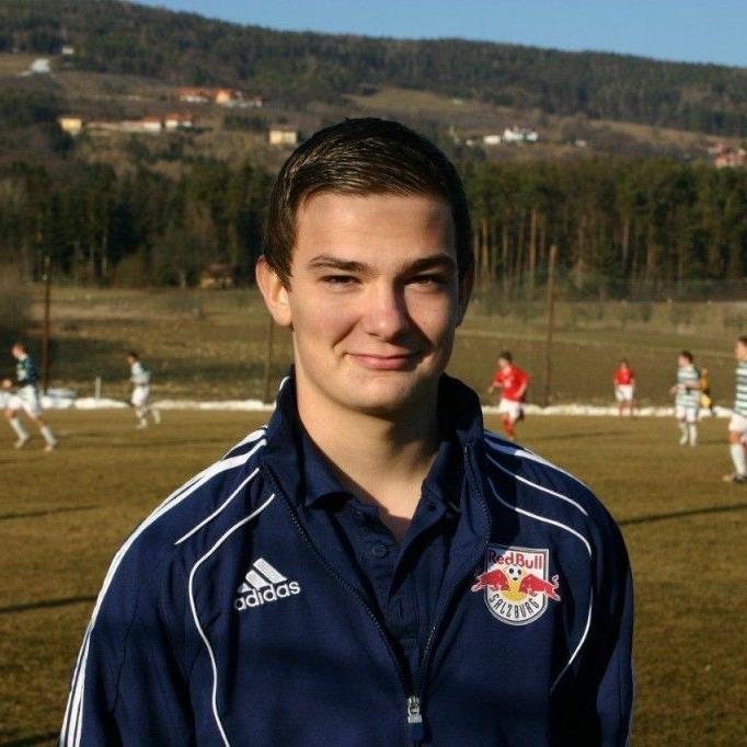 Benjamin Kaufmann hat bei RB Salzburg einen Jungprofivertrag unterzeichnet.