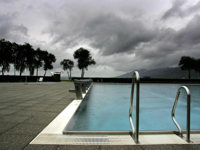 Leere Becken, leere Kassen. Das Bregenzer Strandbad verzeichnet derzeit einen Besucherrückgang.