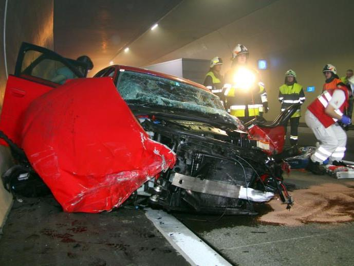 Jeder zweite Tunnelunfall ist auf zu geringem Sicherheitsabstand zurückzuführen.