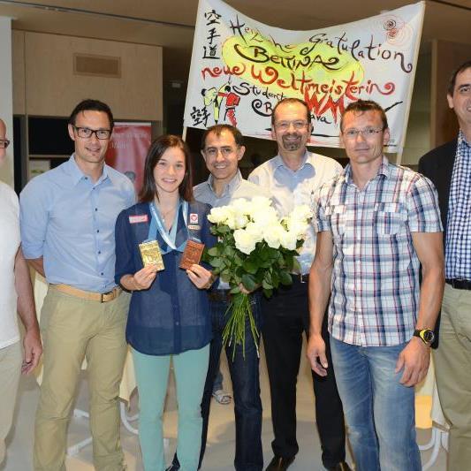 Karate Studenten-Weltmeisterin Bettina Plank wurde für ihren Triumph geehrt.