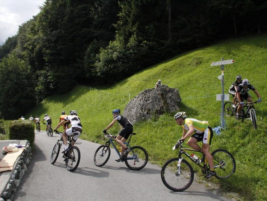 Steile, kräftezehrende Anstiege und rasante Abfahrten - die Vandanser Ortsvereine unterstützen den M3!