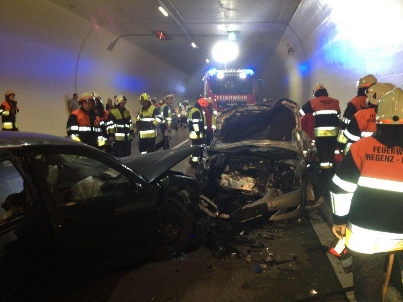 Der Unfall forderte einen Schwerverletzten und fünf Leichtverletzte.