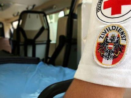 Der angefahrene junge Mann wurde ins Spital eingeliefert.