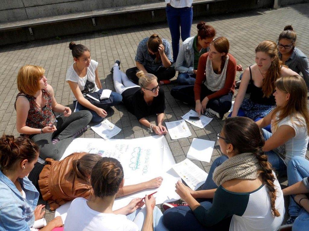 "Projekt ""friends & more"" stärkt das Sozialkapital der 6b-Klasse am PG Riedenburg"