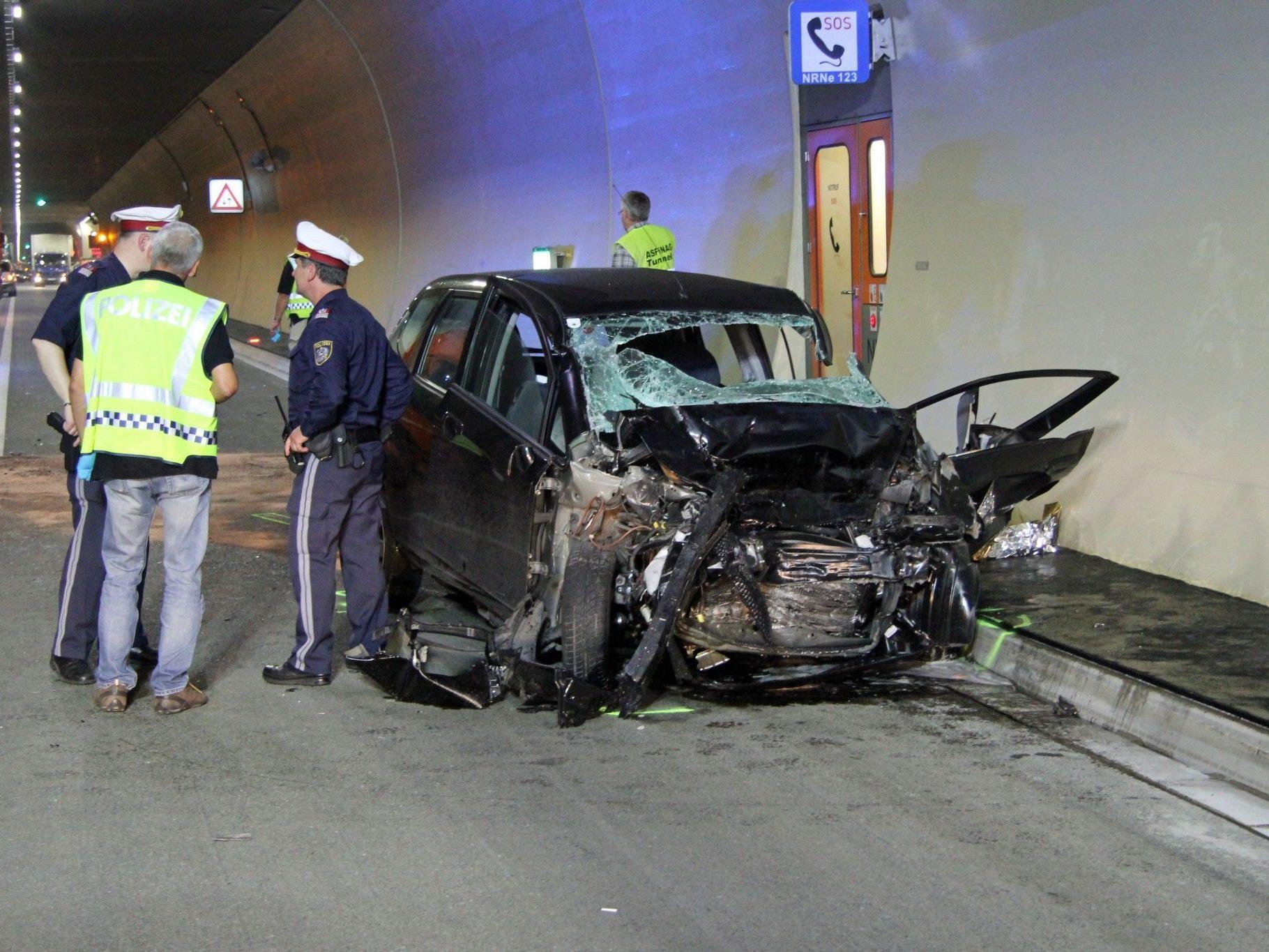 Der fünfte schwere Unfall in der neuen Pfändertunnel-Röhre forderte ein Todesopfer.