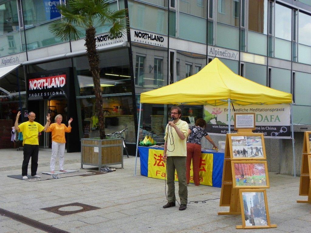 """Infoaktion """"Falun dafa"""""""