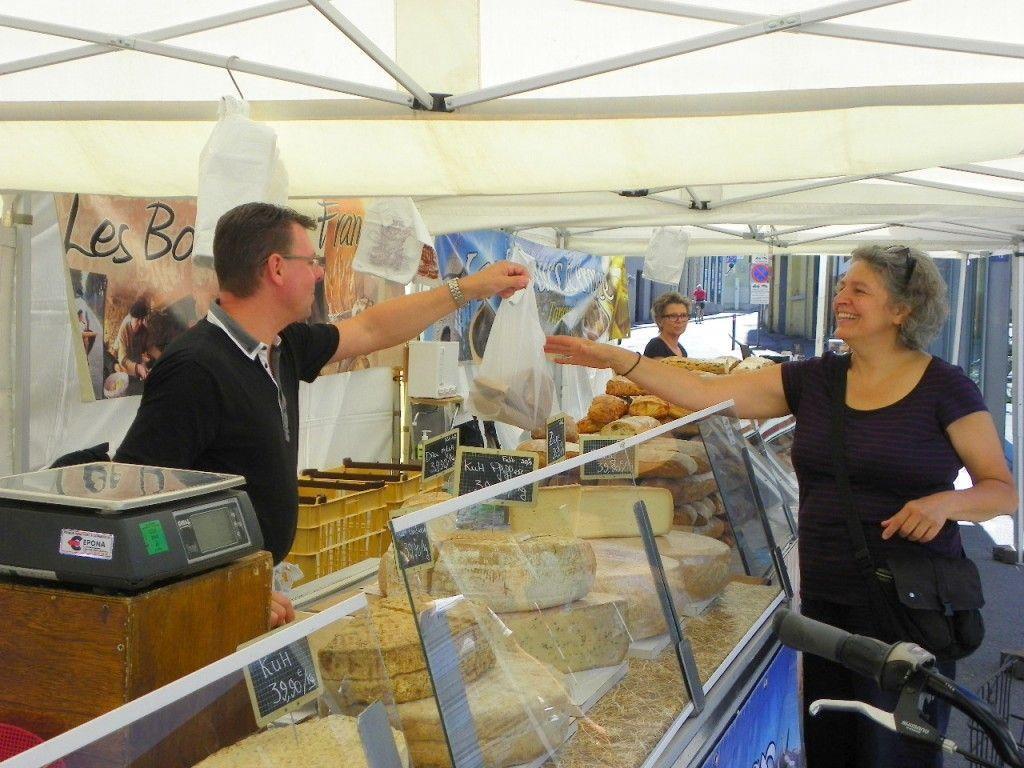 Händler aus Frankreich bieten französischen Genuss