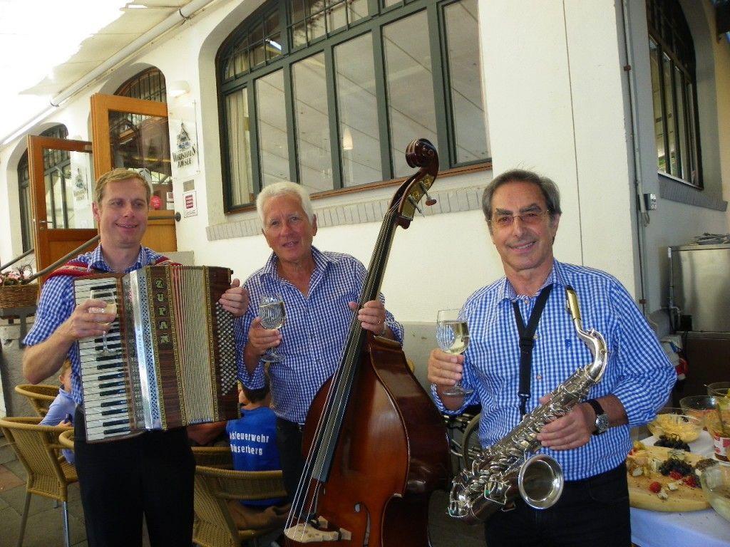 """Trio """"Stressfrei"""" unterhielt die Besucher"""