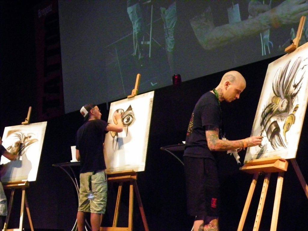 Künstler malen Tattoobilder