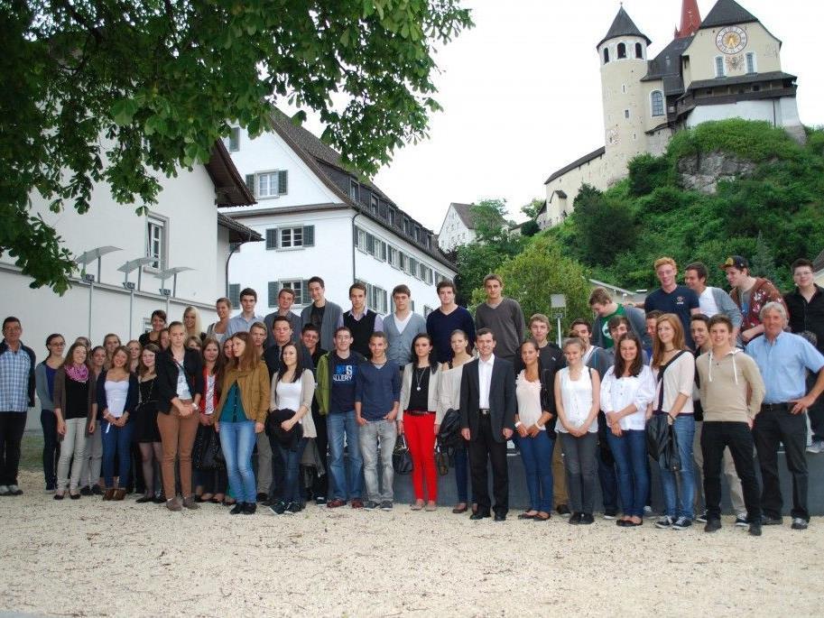 Die Teilnehmer der Jungbürgerfeier 2012