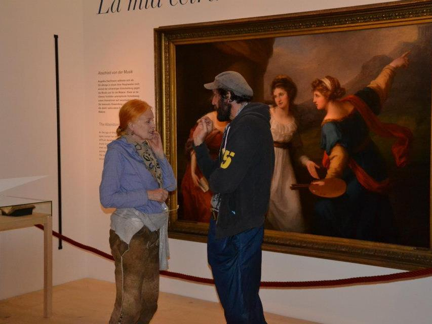 Vivienne Westwood mit Ehemann Andreas Kronthaler im Angelika Kauffmann Museum in Schwarzenberg.