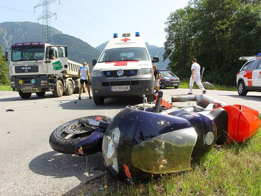 Verkehrsunfall in Nüziders - Motorradlenker verletzt.