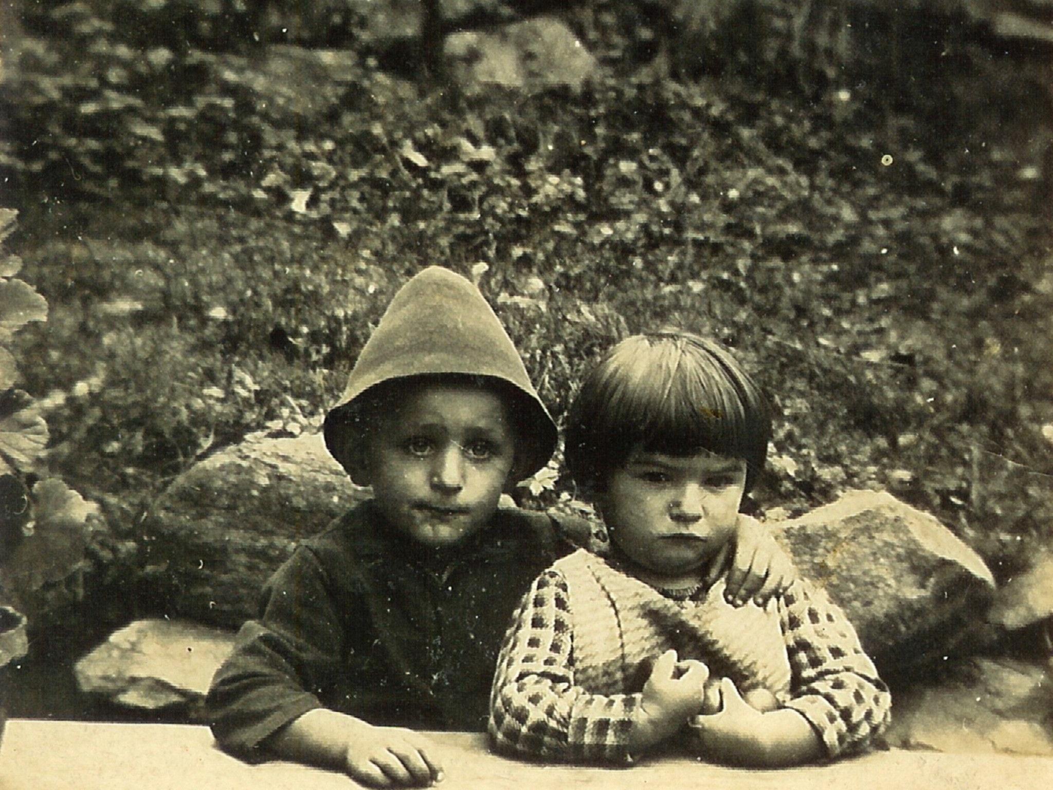 Kinder der damaligen Zeit im Montafon.