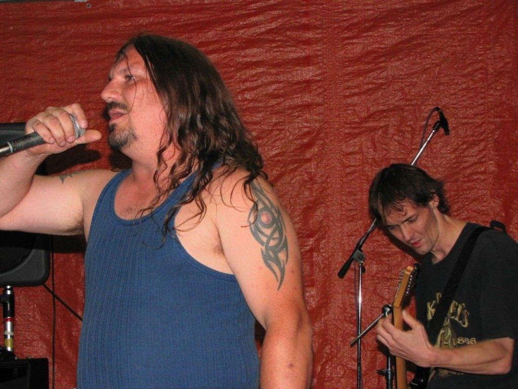 Sänger und Frontman Gary aus der Felsenau wird dem Publikum wieder ordentlich einheizen
