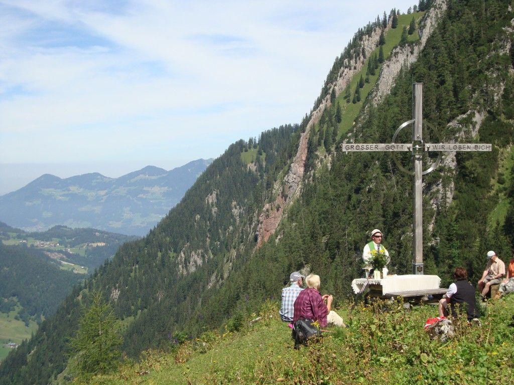 Bergmesse auf knapp 1700 Meter mit Pfarrer Alois Erhart.