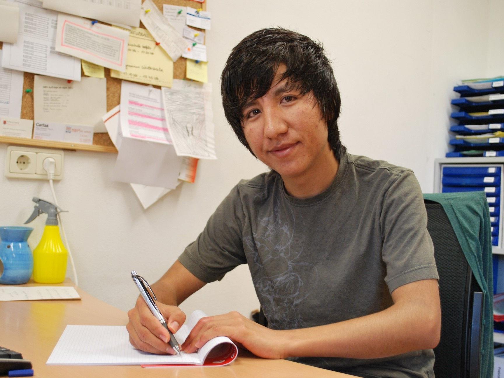 Arbeiten dürfen und eine Ausbildung bekommen. - Überaus wichtig für junge AsylwerberInnen.