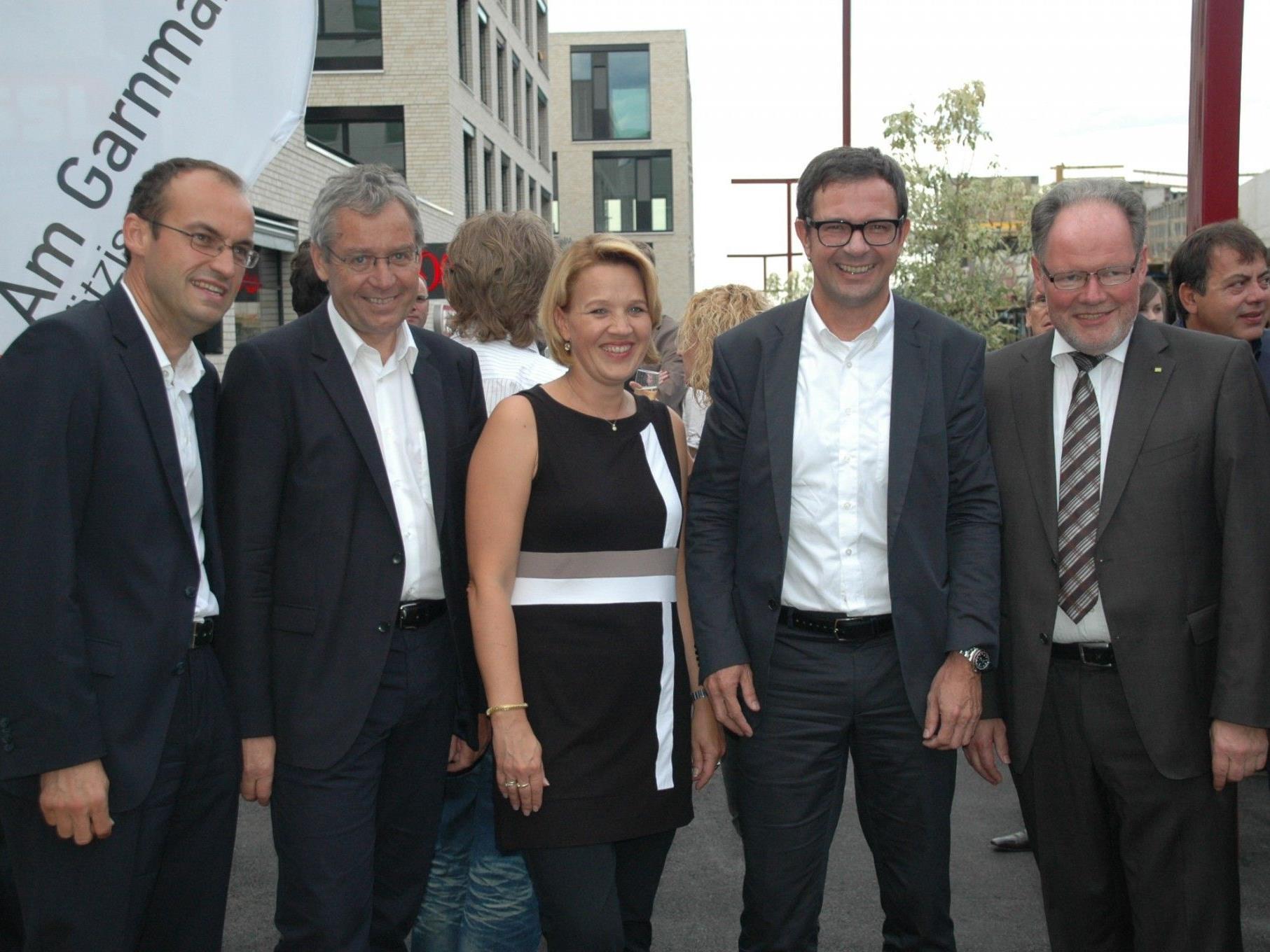 Freuten sich über die Erweiterung Am Garnmarkt: (v.l.) Ernst Mayr (FUSSL), Statthalter Karlheinz Rüdisser, LR Andrea Kaufmann, Prisma Vorstand Bernhard Ölz & Bürgermeister Werner Huber