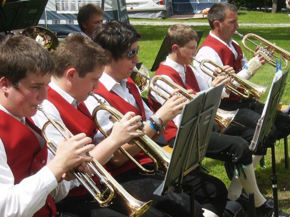 Die Bürserberger Dorfmusik lädt zum letzten Sommerkonzert ...