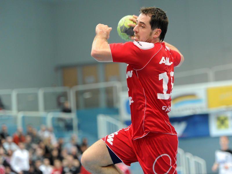 Bernd Friede wurde als Spieler der vergangenen HLA-Saison geehrt