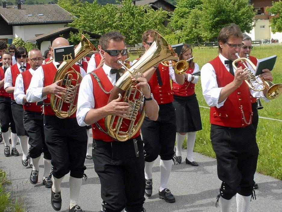 Die Harmoniemusik Schruns wird am 10. August 2012 im Hotel Zimba in Schruns aufspielen.