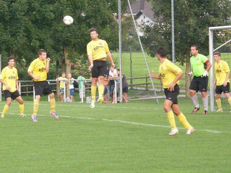 Die Hörbranzer Hintermannschaft hielt dem Druck der Dornbirner in der zweiten Spielhälfte nicht mehr stand.