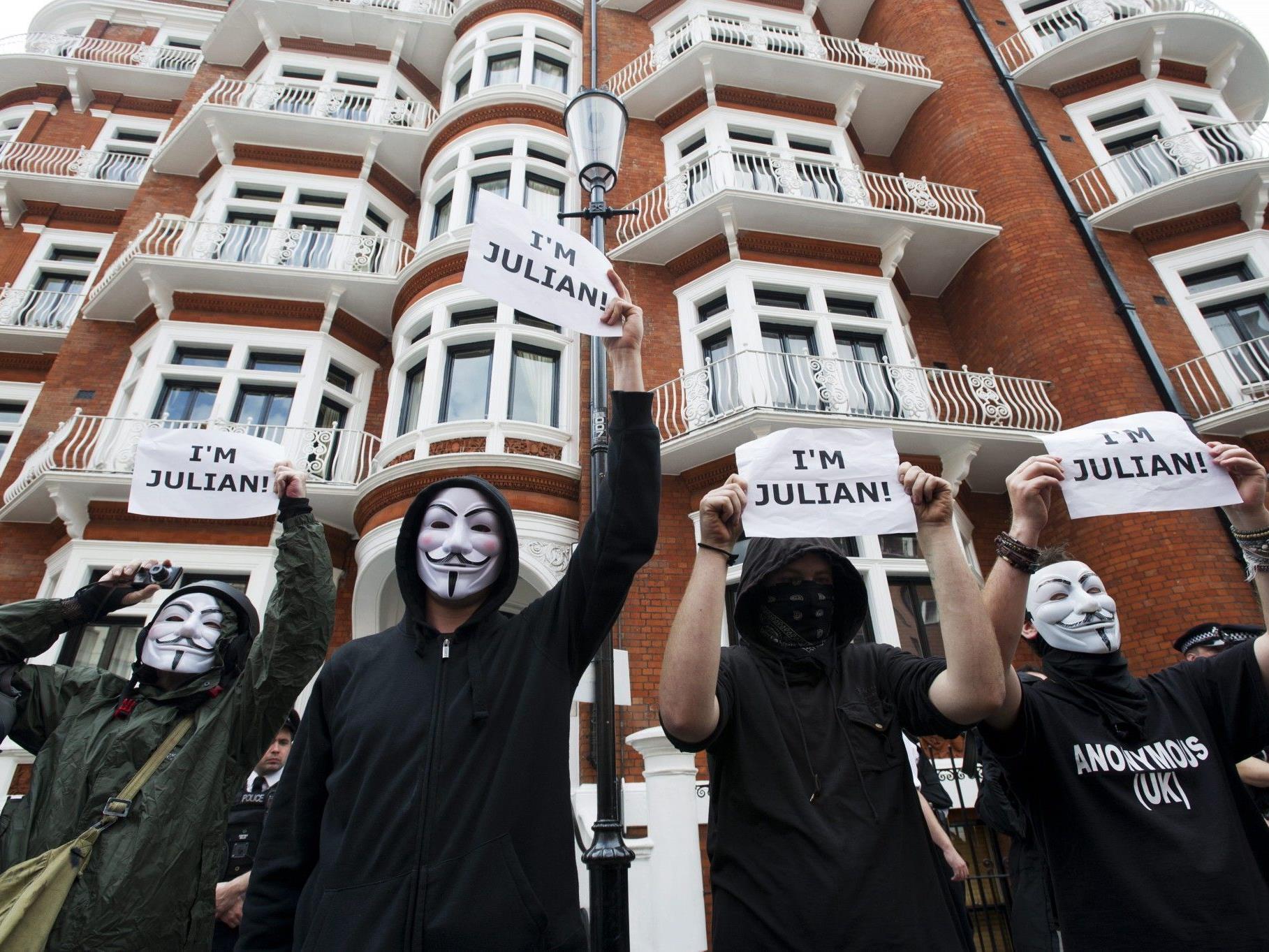 Haftbefehl in Schweden gegen Wikileaks-Gründer wegen Sexualdelikten.