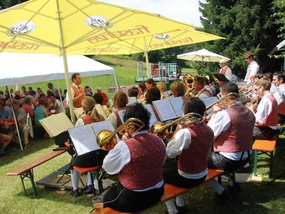 Platzkonzert des Musikvereins Frastanz für die Figl Fans Frastanz