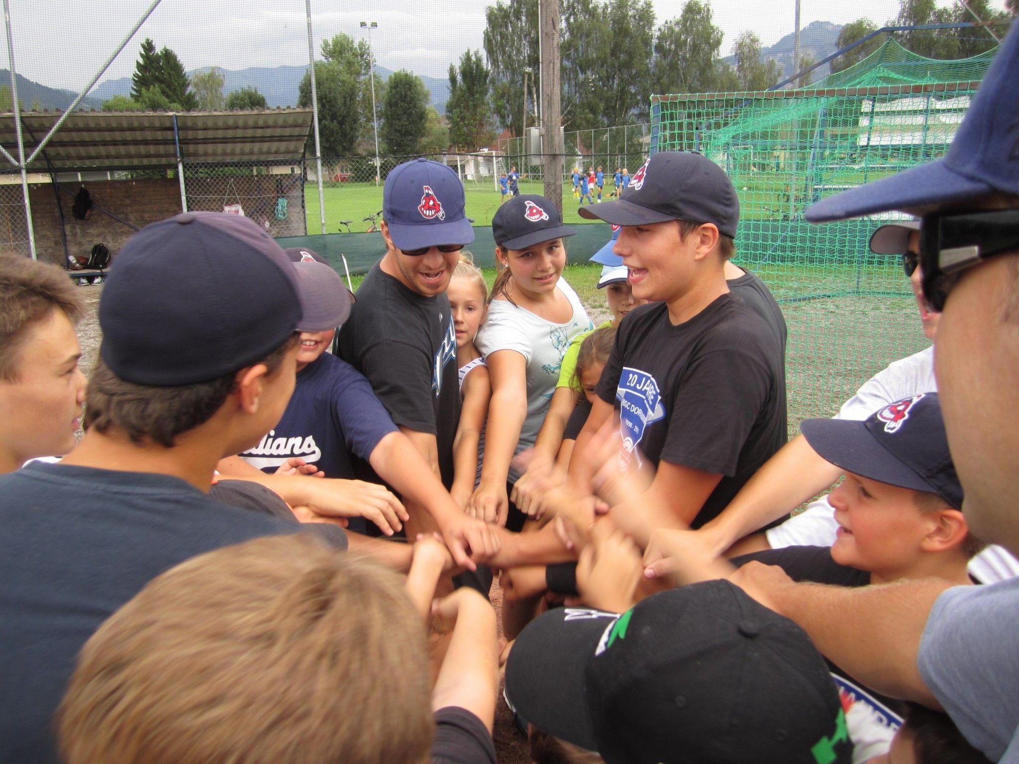 Kinder ab sechs Jahren können mit dieser trendigen Sportart Baseball beginnen