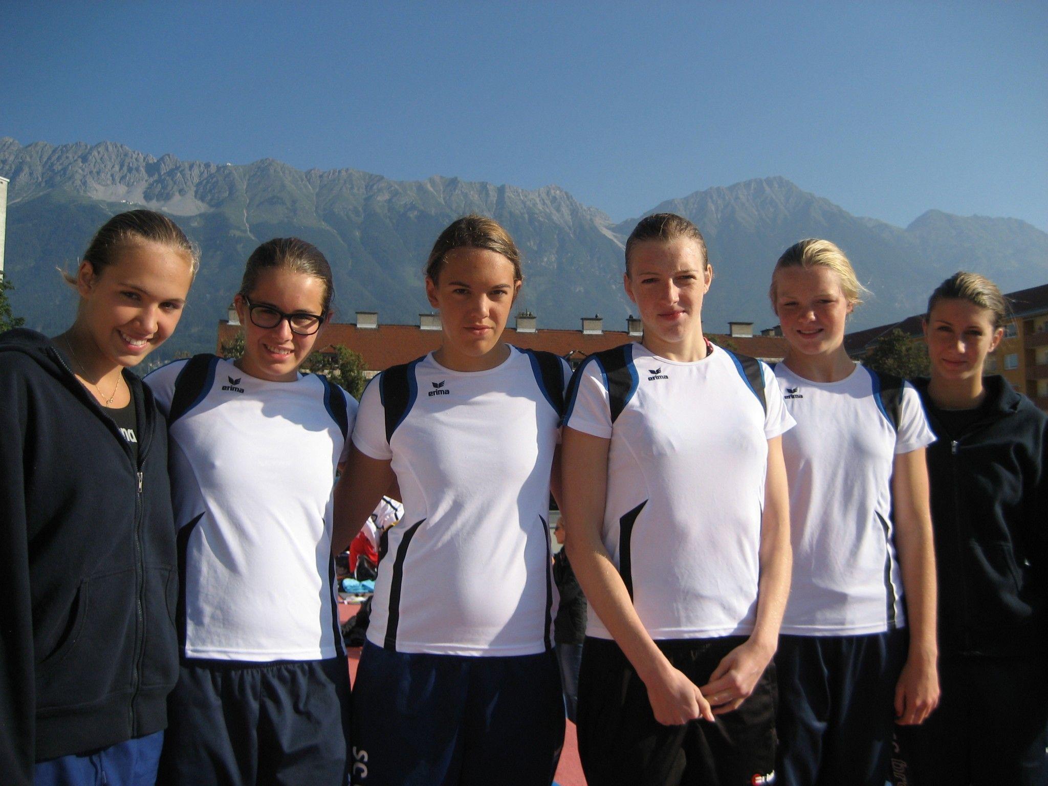 Frauenpower in Innsbruck vlnr: Celina, Katharina, Magdalena, Vera-Maria, Johanna und Nena