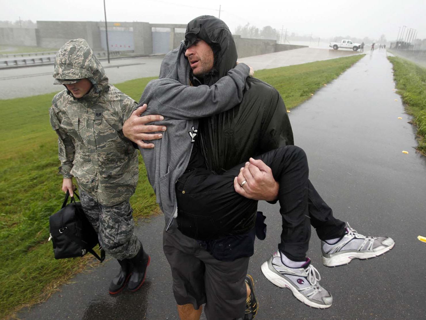 """Tausende fliehen im Süden der USA vor dem Tropensturm """"Isaac""""."""