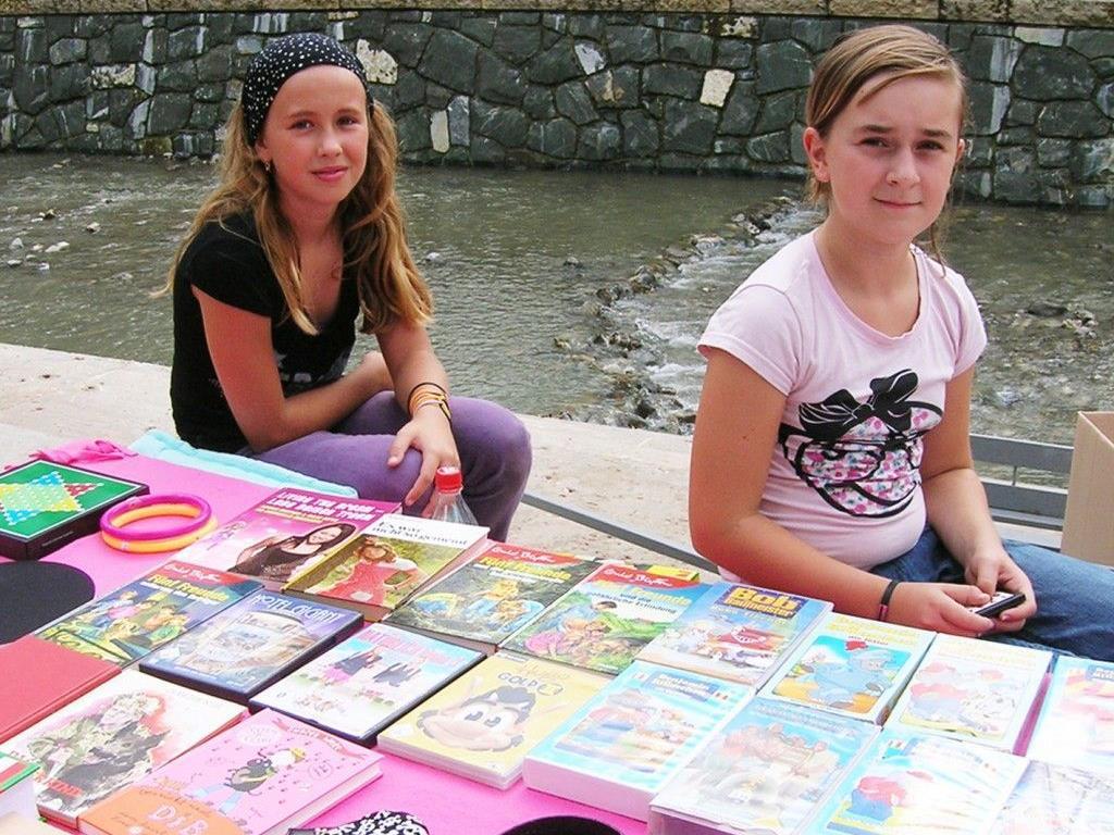 Tauschen und Verkaufen beim Kinderflohmarkt diesmal im Erholungszentrum Rheinauen.