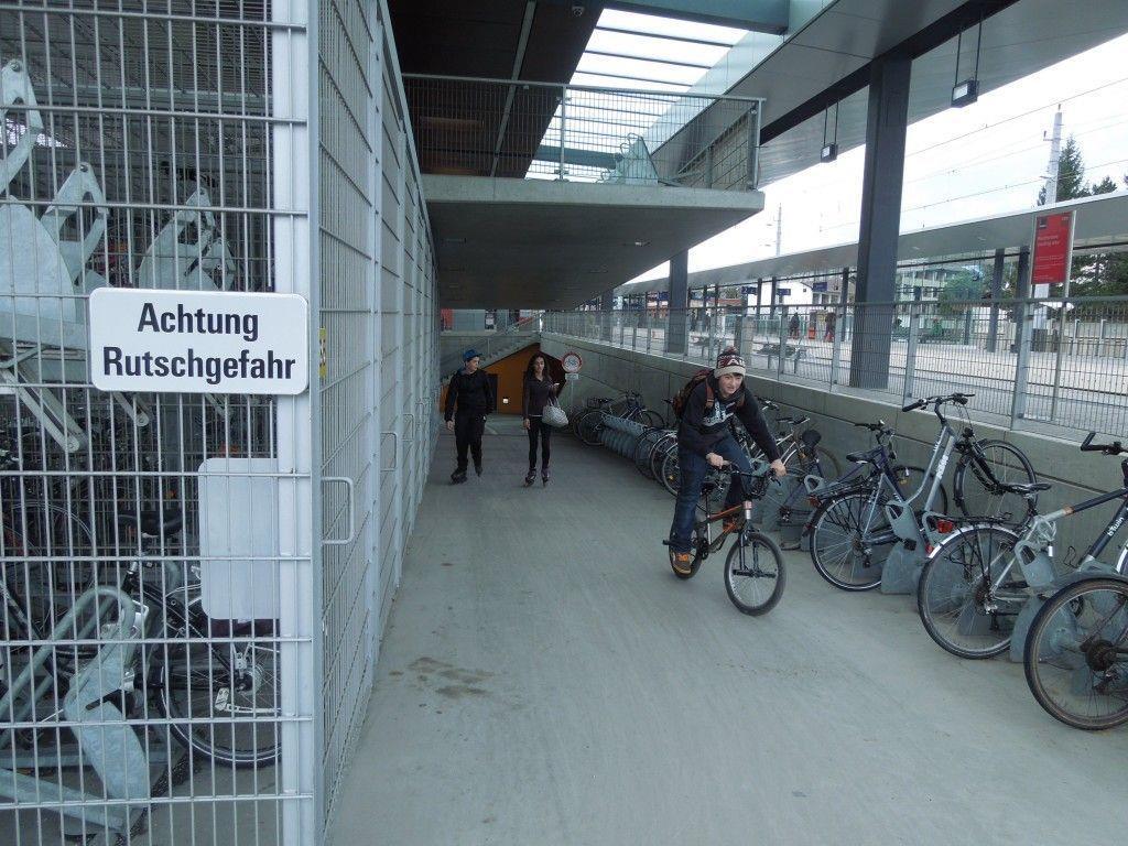 BF-Teilnehmer fordern, dass nun endlich in Sachen Belagsentschärfung bei der Unterführung am Dornbirner Bahnhof, gehandelt wird.
